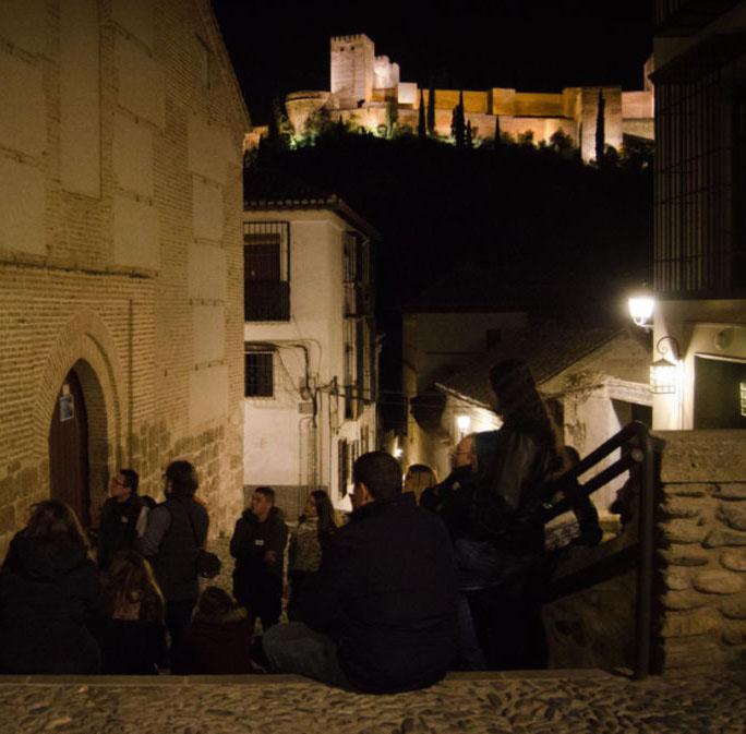 Visitas Guiadas y Teatralizadas Descubriendo Granada con la Alhambra